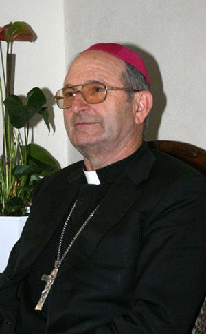 Vescovo Adriano Tessarollo